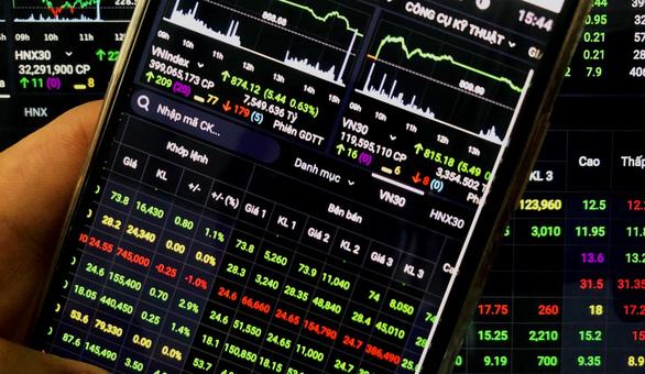 Dòng tiền tăng mạnh, chứng khoán đạt điểm cao nhất trong hơn 1 tháng - Ảnh 1.