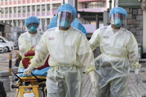 Hong Kong xác nhận ca tái nhiễm virus corona đầu tiên trên thế giới - Ảnh 1.