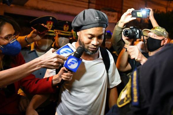 Ronaldinho được Paraguay trả tự do - Ảnh 1.