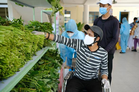 Đà Nẵng tiếp tục hỗ trợ dân gặp khó do dịch thêm 2 tháng - Ảnh 1.