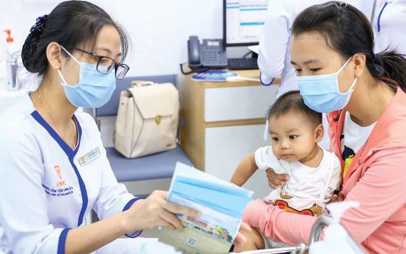 Nếu có vắc xin COVID-19 sẽ sớm về Việt Nam - Ảnh 1.