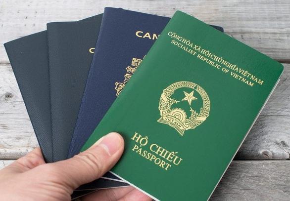 Đại biểu Quốc hội được phép có hai quốc tịch không? - Ảnh 1.