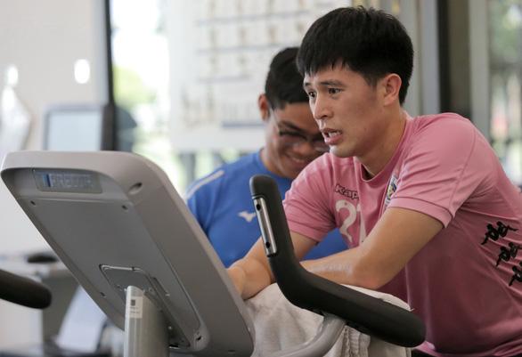 Điều trị chấn thương: Nỗi băn khoăn của các cầu thủ Việt - Ảnh 2.