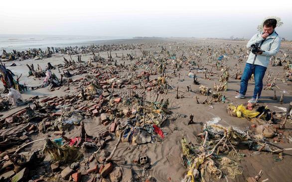 Đi khắp Việt Nam, chụp hàng ngàn bức ảnh để cứu biển - Ảnh 2.