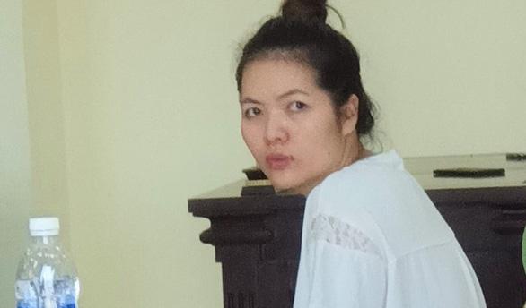 Nữ doanh nhân đâm chết người tình lãnh 20 năm tù - Ảnh 1.