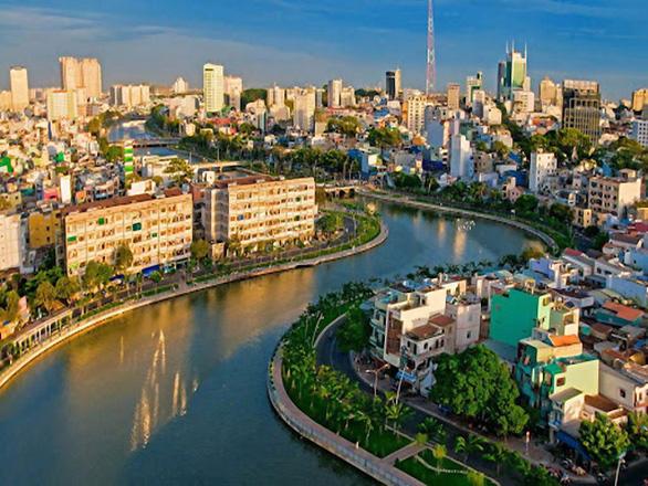 Ngắm Sài Gòn trong hoàng hôn bằng buýt mui trần hoặc du thuyền trên sông - Ảnh 5.