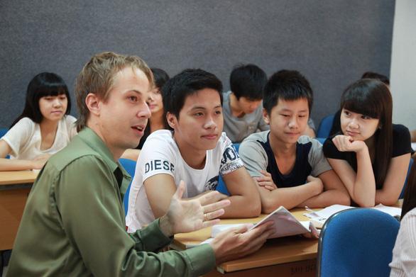 Thay đổi nguyện vọng sau thi THPT: Chọn ngành học nào? - Ảnh 2.
