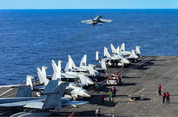 Philippines tuyên bố nhờ vả Mỹ nếu Trung Quốc tấn công tàu hải quân - Ảnh 1.