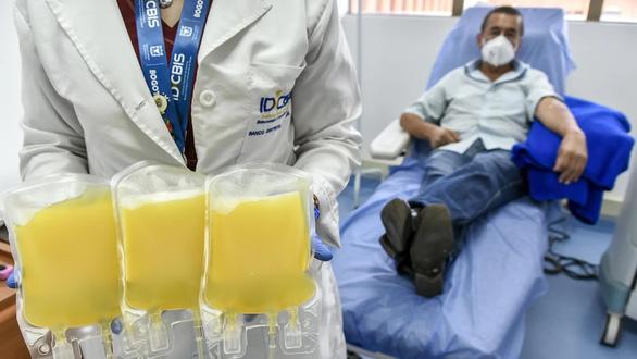 Điều trị COVID-19 bằng huyết tương liệu có hiệu quả và an toàn? - Ảnh 1.