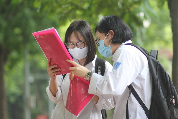 Tỉ lệ tốt nghiệp THPT năm 2020 cả nước: 98,34%, cao hơn 2019