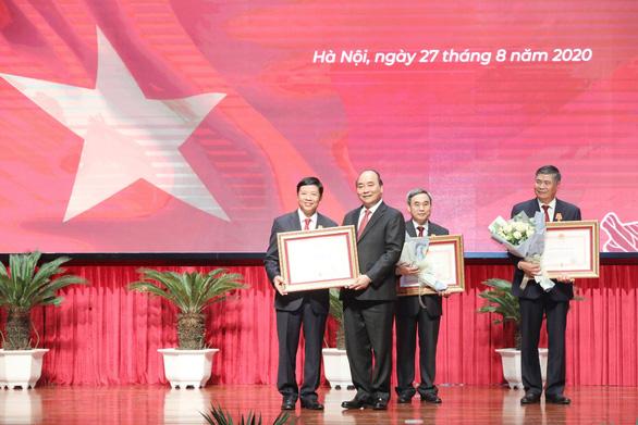Thủ tướng Nguyễn Xuân Phúc: Ngành ngoại giao tự hào nhưng không được tự mãn - Ảnh 2.