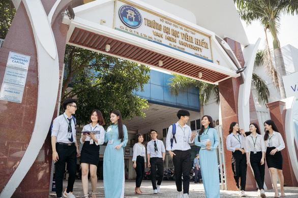 Trường Đại học Văn Hiến miễn phí tiền ăn, tiền nhà trọ cho tân sinh viên - Ảnh 1.
