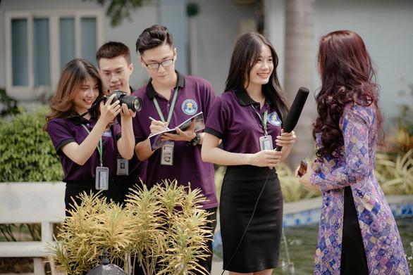 Trường Đại học Văn Hiến miễn phí tiền ăn, tiền nhà trọ cho tân sinh viên - Ảnh 2.