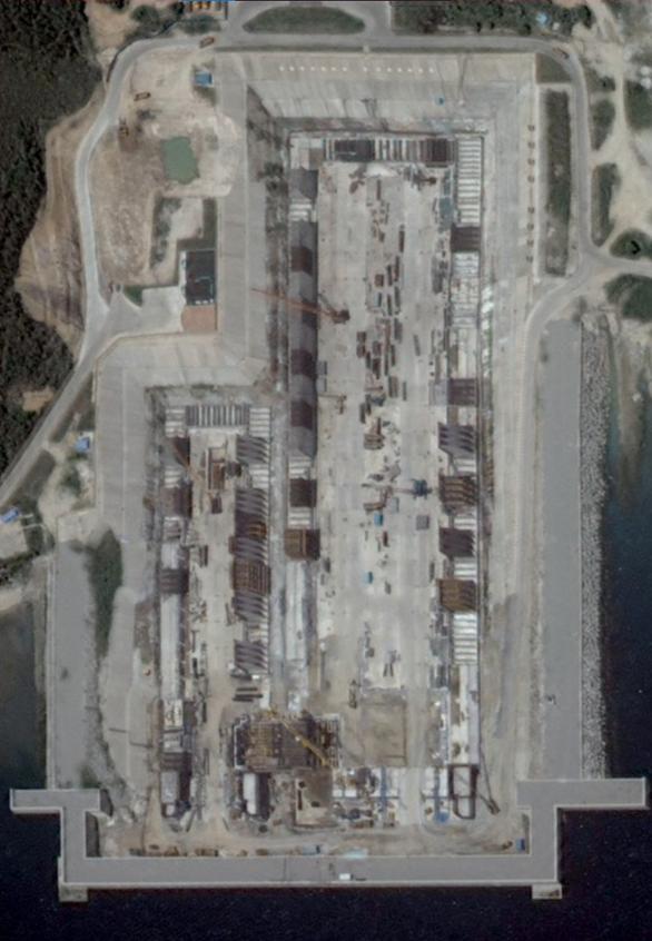 Dù dịch bệnh hoành hành, Trung Quốc vẫn làm căn cứ lớn cho tàu sân bay - Ảnh 3.