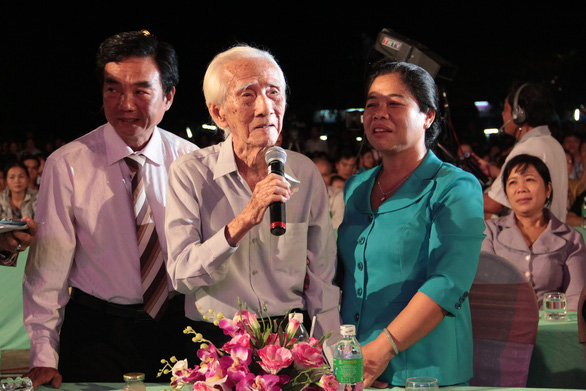 Nên trao giải thưởng Nhà nước cho NSND Viễn Châu - Ảnh 1.