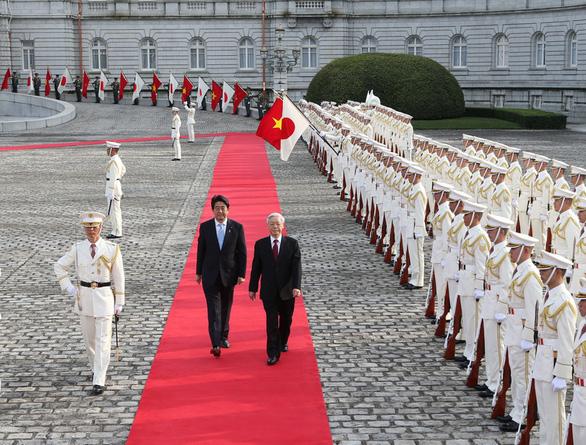 Mối thân tình Việt - Nhật khi ông Shinzo Abe làm thủ tướng - Ảnh 4.