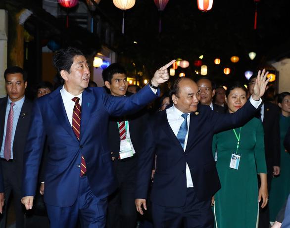 Mối thân tình Việt - Nhật khi ông Shinzo Abe làm thủ tướng - Ảnh 8.