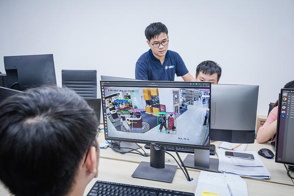 Câu chuyện ra đi hay trở về của nhân tài công nghệ Việt Nam - Ảnh 1.