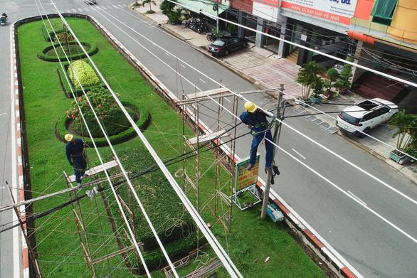 Vận hành đường dây 110kV Phú Lâm - Bình Phú: Nâng cấp lưới điện phía tây TP.HCM - Ảnh 1.