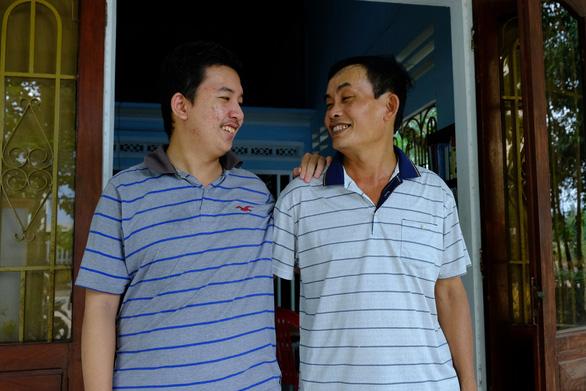 Thủ khoa khối B ở Quảng Ngãi mang khát vọng trở thành bác sĩ chữa bệnh cứu người - Ảnh 2.