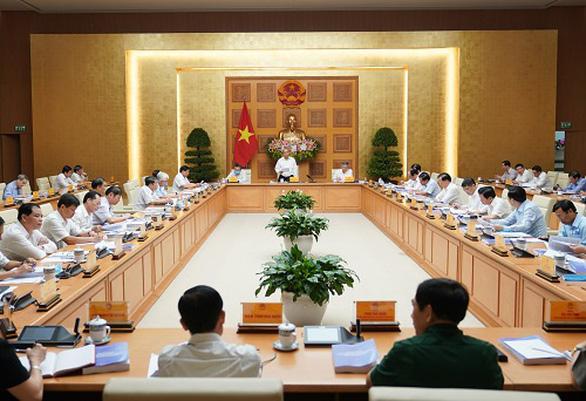 Thủ tướng: Duy trì tăng trưởng dương, xác định đột phá chiến lược trong tình hình mới - Ảnh 1.