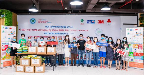 3M cùng các đối tác hỗ trợ hơn 400 hộ gia đình trong đại dịch - Ảnh 1.