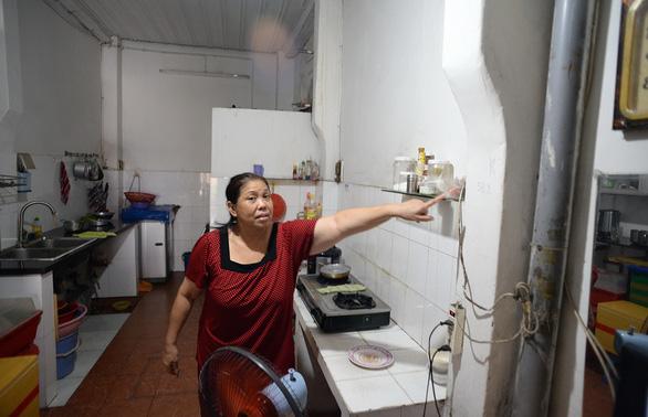 Dân dọc đường Trường Chinh - Cách Mạng Tháng 8 đồng loạt dỡ nhà làm metro số 2 - Ảnh 4.