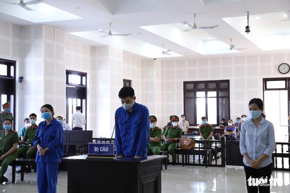 Xét xử 3 người tổ chức đưa người Trung Quốc nhập cảnh trái phép vào Đà Nẵng - Ảnh 1.