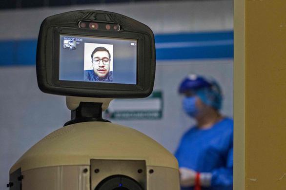 Robot chữa nỗi buồn cách ly cho bệnh nhân COVID-19 - Ảnh 4.