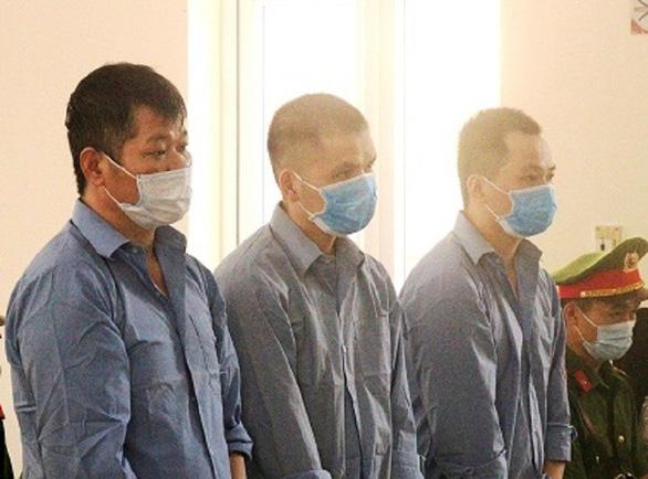 Hai tử tù treo cổ trong trại giam: Bện sợi vải, cọng chiếu làm thòng lọng - Ảnh 1.