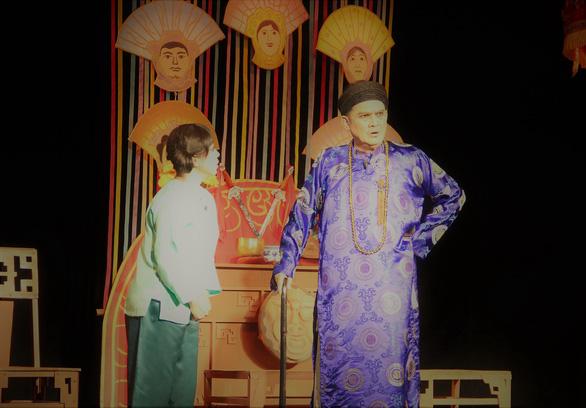 Sân khấu chuẩn bị tinh thần chiến với dịch bệnh - Ảnh 1.