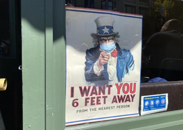 CDC Mỹ dự báo thêm 19.000 người Mỹ tử vong vì COVID-19 trong 20 ngày tới - Ảnh 1.