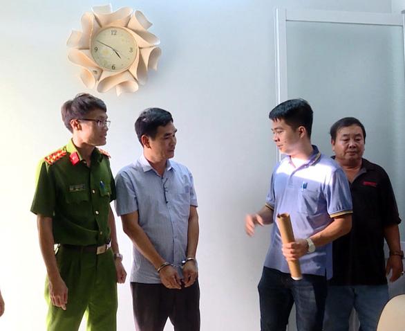 Khởi tố, bắt tạm giam nhà báo cưỡng đoạt 40 triệu đồng - Ảnh 2.