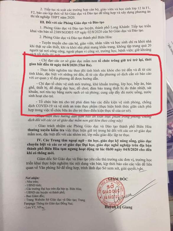 Sau một ngày tạm ngưng, Đồng Nai cho trẻ mầm non đi học trở lại - Ảnh 1.