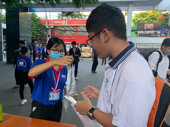 Nhiều thí sinh bỏ thi đánh giá năng lực của ĐH Quốc gia TP.HCM - Ảnh 1.