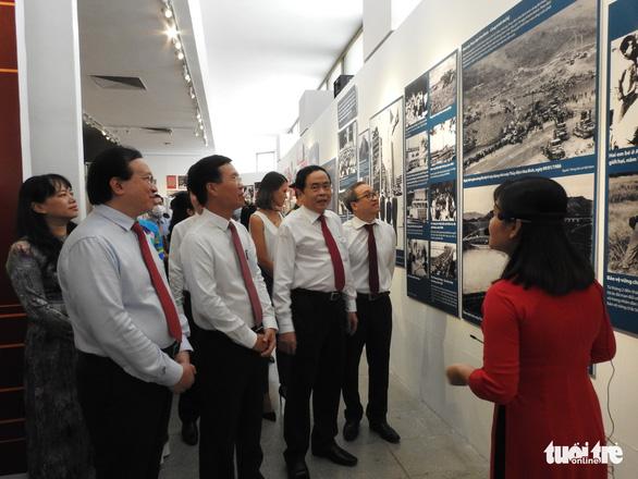 Cuộc chiến chống COVID-19 và Vinfast có mặt ở triển lãm Việt Nam độc lập, tự cường - Ảnh 1.