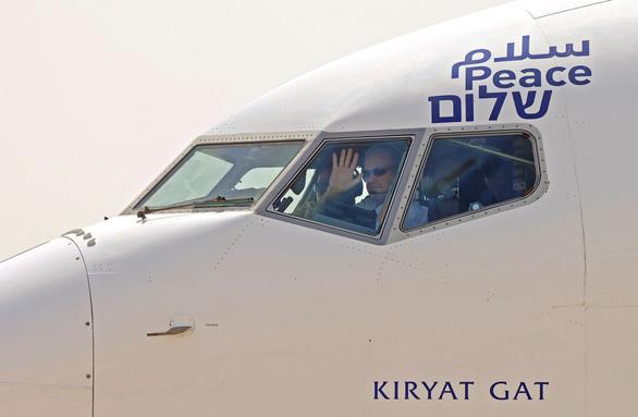Mỹ và Israel hân hoan với chuyến bay lịch sử đến UAE - Ảnh 1.