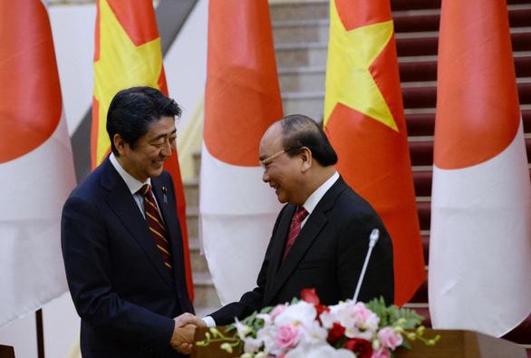 Dấu ấn đặc biệt của Thủ tướng Abe trong quan hệ với Việt Nam - Ảnh 1.