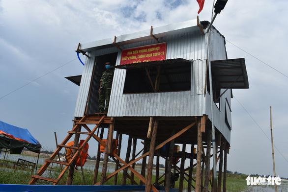 Nước lũ đã tràn đồng giáp biên giới Campuchia, chưa thấy cá tôm - Ảnh 7.