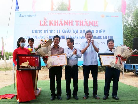 Vietbank tài trợ 5 tỉ đồng xây 6 cầu ở xã biên giới tỉnh Long An - Ảnh 4.