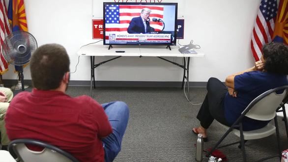 Bầu cử Mỹ: truyền hình thắng lớn nhờ 2 ứng viên tung tiền quảng cáo - Ảnh 1.