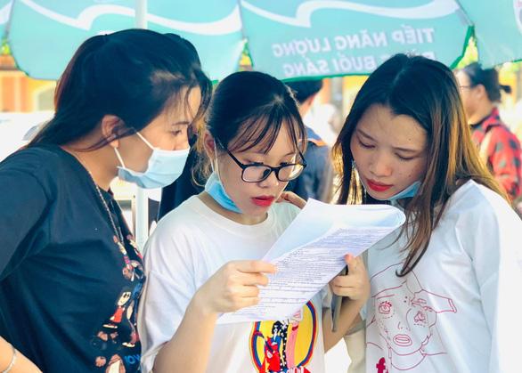 Một loạt trường ĐH phía Bắc công bố điểm sàn xét tuyển đại học - Ảnh 1.