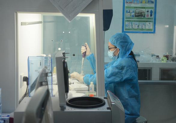 Đà Nẵng công bố 4 cơ sở đủ tiêu chuẩn xét nghiệm COVID-19 - Ảnh 1.