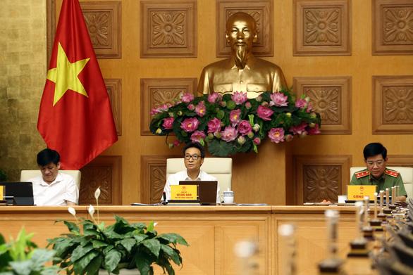 Phó thủ tướng Vũ Đức Đam: Không để quay lại giãn cách xã hội diện rộng - Ảnh 1.