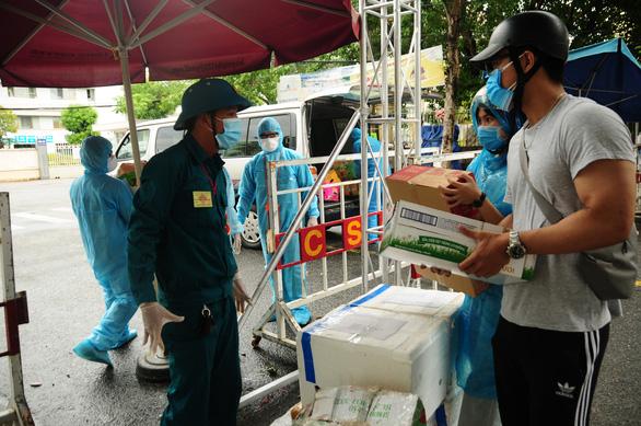 'Sớm mở cửa lại 3 bệnh viện đang bị phong tỏa tại Đà Nẵng' - Ảnh 1.