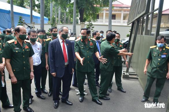 Quân khu 7 khai mạc Đại hội Đảng bộ lần thứ X - Ảnh 2.