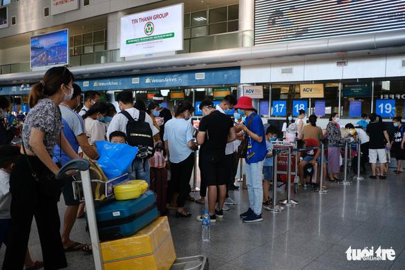Khách du lịch được đăng ký rời Đà Nẵng trước 15h hôm nay 4-8 - Ảnh 1.