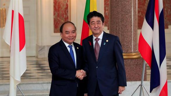 Thủ tướng Nhật cảm ơn Việt Nam, sẵn sàng hỗ trợ khắc phục hậu quả đại dịch - Ảnh 1.
