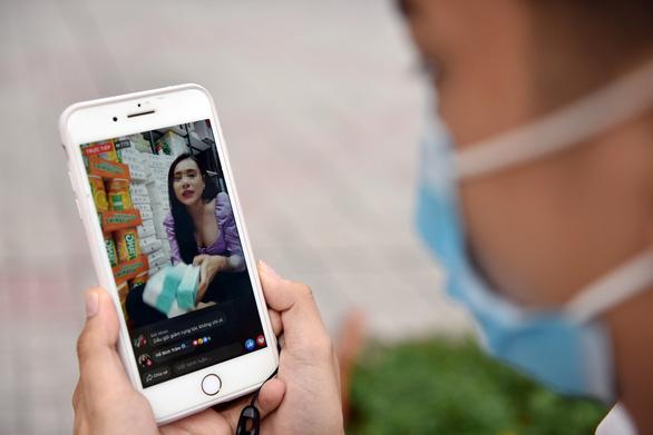 Soi thuế thu nhập từ Google, Facebook, YouTube, ai trốn sẽ bị tù - Ảnh 2.