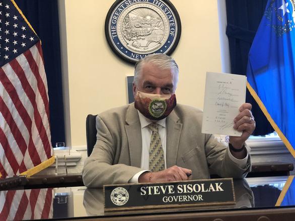 Bất chấp ông Trump dọa kiện, bang Nevada cho phép bầu cử qua thư - Ảnh 1.